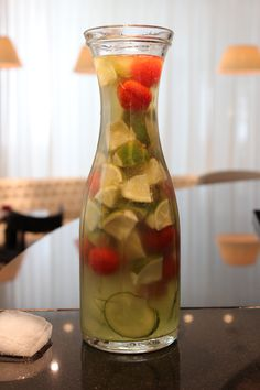 ... Tomaten-Basilikum Limonade - home-made cucumber-tomato-basil-lemonade
