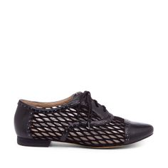 lace up oxford black