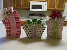 Christmas Present Wood Craft Tutorial by Guest Blogger, Talented Terrace Girls Visit & Like our Facebook page! https://www.facebook.com/pages/Santas-Helpers/251688461649019?ref=hlhttps://www.facebook.com/pages/Rustic-Farmhouse-Decor/636679889706127