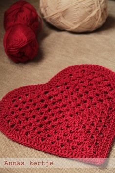 Red granny heart ♥LCH♥ with diagram