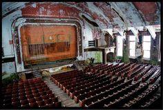 Abandoned...  theatres, movie theaters, creepi abandon, abandon theatr, beauti, forgotten, abandon place, abandon theater, decay