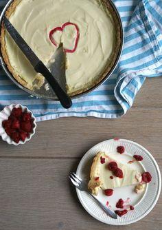 Recept - DoorEten : Witte chocoladetaart met frambozen - met Beekers Berries frambozen