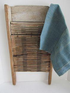 Extremely Primitive Make Do Wash Board, wonderful appalachian character