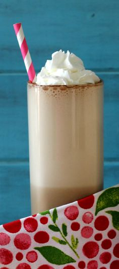 Malted Mocha Ice Coffee - A creamy, guilt-free cold coffee drink that tastes like a combination of coffee meets chocolate milkshake.  Only 58 calories of pure yummy goodness!