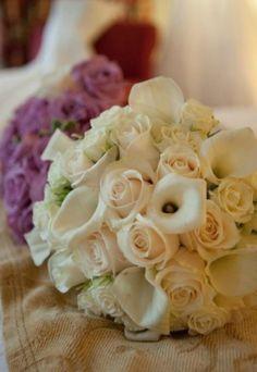 mini cream callas with roses.