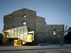 Spain's crumbling Sant Francesc Church gets a modern renovation by David Closes