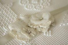Wedding Details: Lace Flowers..pleated sugar flower tutorial