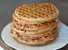 Here's a QUICK & EASY recipe for fat loss friendly waffles...    Mix in blender 1 scoop protien powder, 1/2 cup oats, 1/2 cup cottage cheese, 1/2 cup egg whites, 1 teaspoon baking powder, 1 tablespoon sweetener.     Bake in waffle iron and ENJOY!  https://www.facebook.com/beyondfitphysiques healthy waffle iron recipes, waffle recipes, protien waffles, food, breakfast, cup egg, cup cottag, 12 cup, cup oat