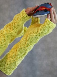 If you've ever wanted to learn how to knit fingerless gloves, this simple fingerless gloves knitting pattern will definitely do the trick.