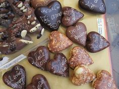 Chocolate hearts at the Artisan Chocolate Festival in Florence (via http://www.fieradelcioccolato.it/)