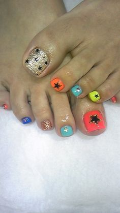 Stars pedi, toe nail art designs