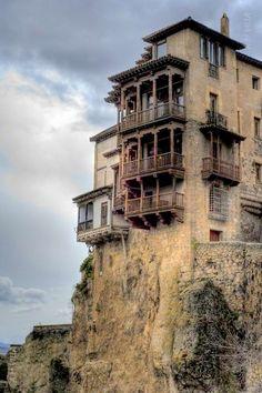Cuenca, Spain. Es una de las ciudades màs conmovedoras del mundo. Sus casas colgadas parecen salidas de un sueño... ¿las has visitado ya?