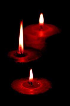 black & red tealights