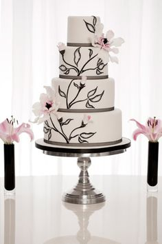 Rachelles Beautiful Bespoke Cakes £795