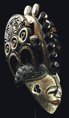 Sothebys_Igbo_mmwo_mask.jpg (467×796)