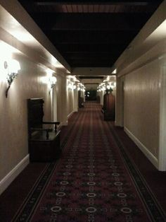 Halloween on pinterest 343 pins for Haunted house hallway ideas