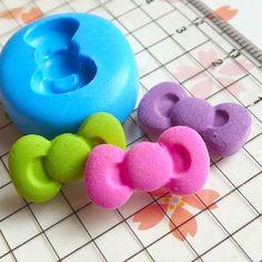 Silicone Hello Kitty bow mold