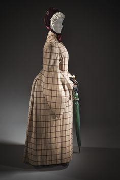 Dolman: ca. 1885, English, wool twill.
