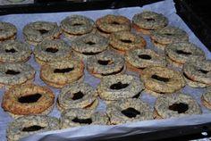 Weihnachtsgebäck: gefüllte Mohn-Marzipan-Kringel Rezept - Rezepte kochen - kochbar.de
