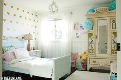 Heart decals on wall, little girls' #bedroom