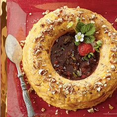 Make this retro Cheese Ring with Strawberry Preserves your go-to crowd pleaser.