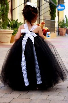 Black and White Lace Flower Girls Tutu Dress In love with the idea and look of a black with white wedding but Kodas not :( lol