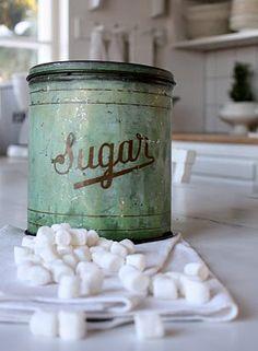 Vintage sugar tin :)