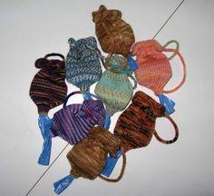 plastic bags, knitting patterns, knit doggi, doggiepoo bag, doggi poop, yarn, tote bags, knit pattern, bag tote
