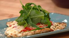 Make a pizza-style chicken dinner! Pizzette-Style Chicken Paillards are #whatsfordinner.