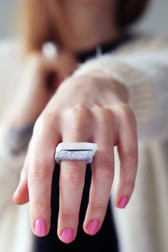 Create cool, faux-granite stacking rings from pliable polymer clay. #DIY