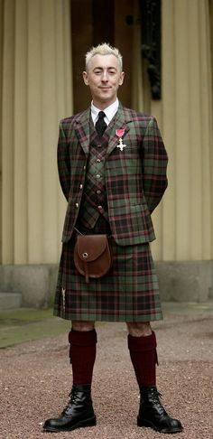 Alan Cumming looking great in his Kilt Outfit