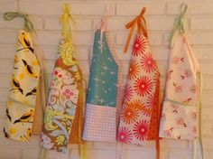 DIY Reversible kids Aprons