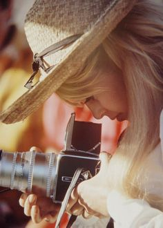 Love old cameras...