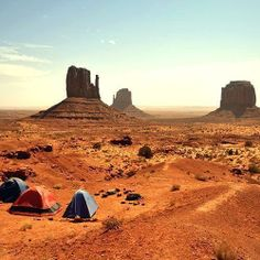 Monument Valley is one of #America's most stunning natural landmarks. Find out why it's a must-see #travel destination.