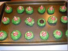 Christmas kiss cookies - so easy and festive!