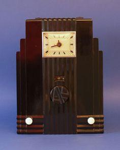 "BEAUTIFUL, 1933 AIR KING Model 66 "" SKYSCRAPER "" ART DECO RADIO"