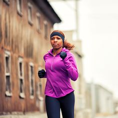 5 Ways to Stay Sexy All Winter Long: eating chocolate, working out, getting some sun and more!