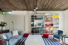 rainbow bookshelf, interior, bookshelv idea, rainbow shelves, rainbows