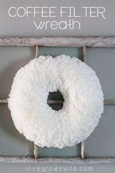 Follow Love Grows Wild step-by-step tutorial on how to make a DIY ruffled coffee filter wreath! || @lovegrowswildlf