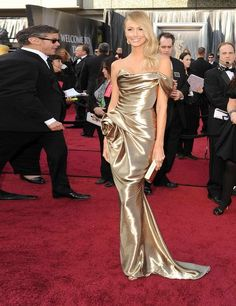 Stacey Kiebler in Marchesa on the red carpet at the Academy Awards 2012