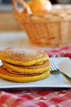YES, PLEASE! Pumpkin Spice Pancakes - now craving these. (20 Ways to Use Leftover Pumpkin)