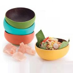bowls made out of coconuts?! Eco friendly and deco-fabulous!