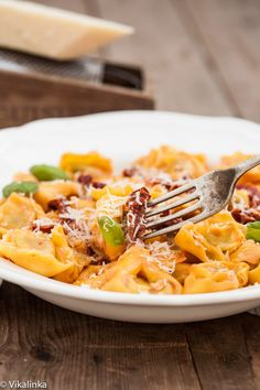 Tortellini with Sun-dried tomatoes in Rosé Sauce.