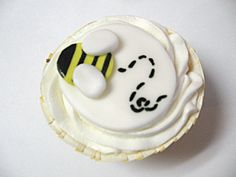 Bumble Bee Fondant Cupcake Toppers