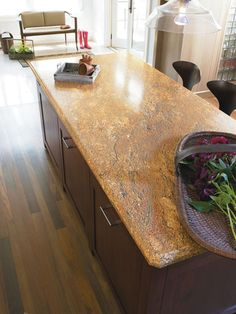 Yellow River Formica countertop, I love this.