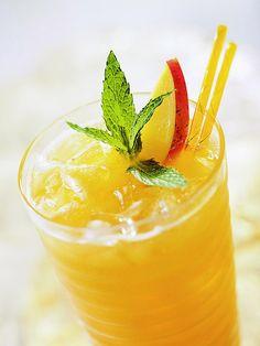 Fresh mint and pureed mango put a fresh summer spin on green tea: http://www.bhg.com/recipes/drinks/tea/iced-coffee-iced-tea-recipes/?socsrc=bhgpin033114mintedmangotea&page=13