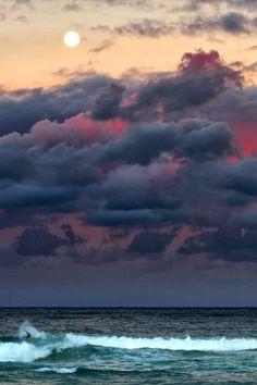 Delightful Cloud Patterns in the Sky