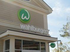 favorit place, bucket list, wahlburg, onion rings, heaven