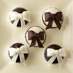Black and white cupcakes!