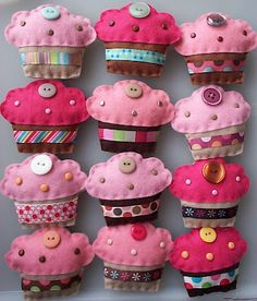 Cupcakes de feltro project, craft, cupcakes, button, felt cupcak, fieltro, aliment feutrin, diy, feltro